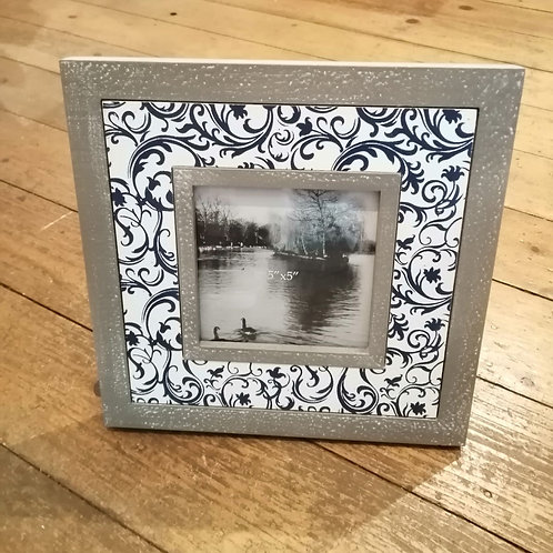 Square Patterned Photo Frame- 5X5
