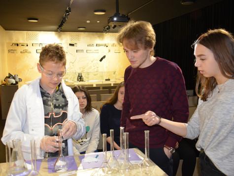 Лекторий для юных химиков