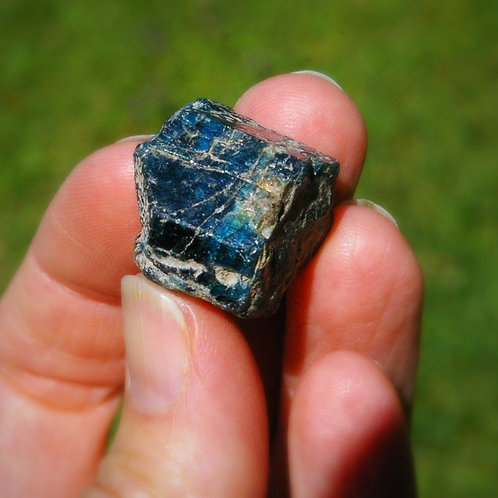 Blue Apatite gem for calming energy and life changes canadian crystals
