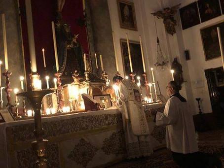 Fotos de las Misas Rorate en Sevilla y Toledo