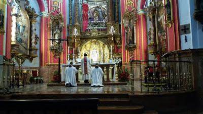 Comienzo de la Misa Gregoriana-Tradicional Dominical en Málaga