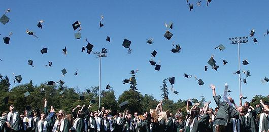 graduation-995042 (1).jpg