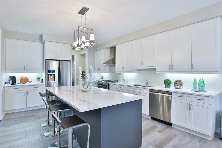 Wired kitchen with pendant and cabinet lights