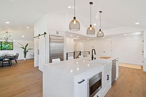 kitchenl-lighting-im3rd-media-FJZtZldA-u