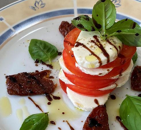 Tomaten%20Mozzarella%20T%C3%BCrmchen_edi