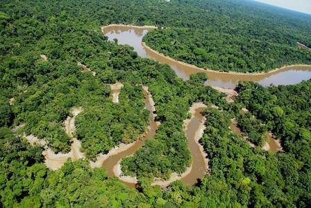 Otra tragedia. decenas de muertos luego de naufragio en río Congo