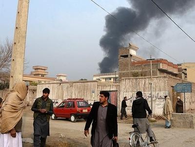 Nuevo atentado en mezquita afgana: más de 30 muertos