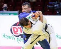 Dan 10 años de castigo a judoca argelino que se negó a pelear con un israelí en Tokio