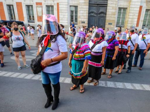 Parte hacia Austria caravana zapatista