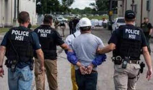 Gobierno de Estados Unidos suspende arrestos de inmigrantes en sitios de trabajo