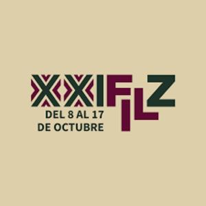 Venta nocturna en la XXI Feria Internacional de Libro en el Zócalo