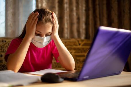 Aumenta Síndrome Visual Informático por pandemia de COVID-19,