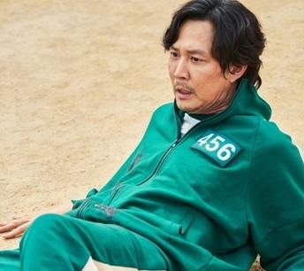 """El juego del calamar revela realidad de la sociedad surcoreana"""", dice medio norcoreano"""