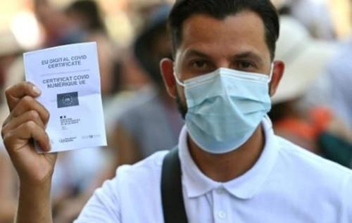 Protestas en Italia: entra en vigor pasaporte sanitario Covid para poder trabajar