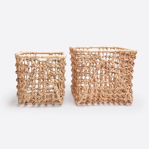 Set of 2 Natural Woven Water Hyacinth Nesting Baskets