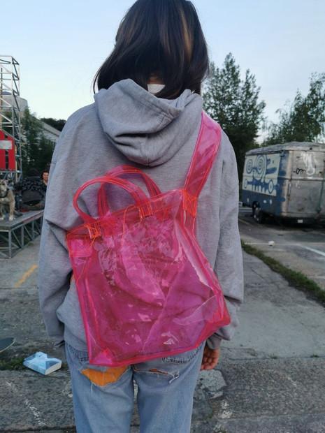 Margot mit Tasche