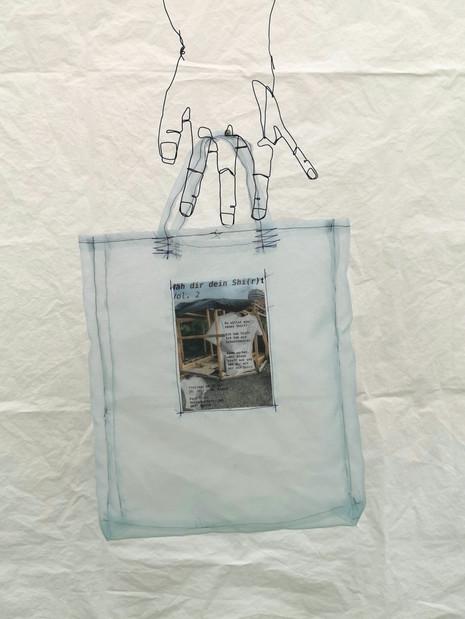 Blaue Netz-Tasche