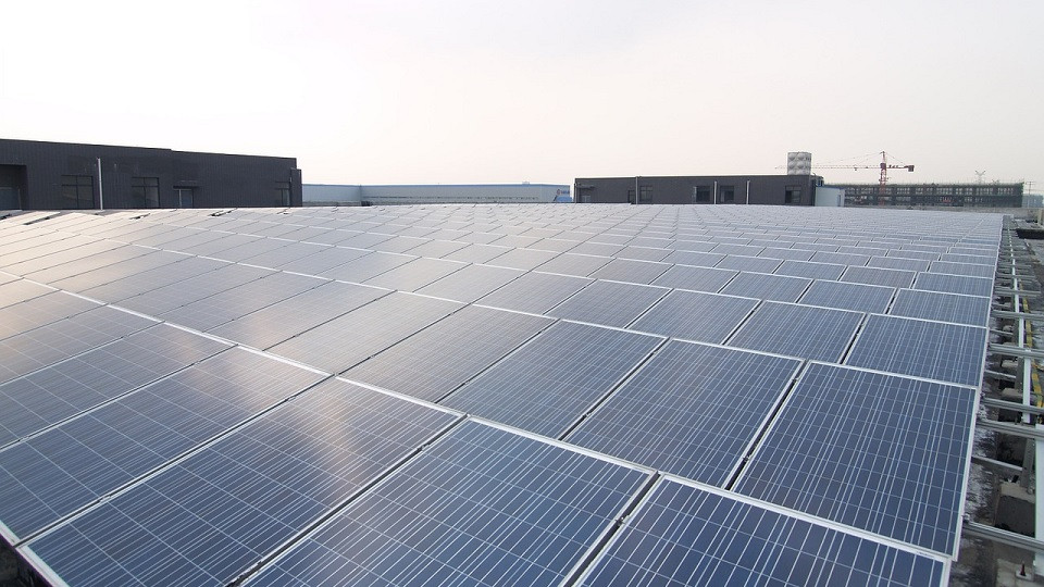 Commercial rooftop solar facility
