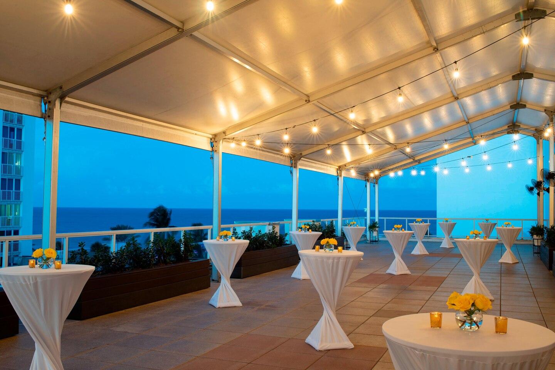 flllw-sky-terrace-5579-hor-clsc