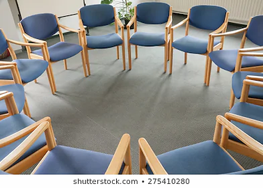 chairs-circle.webp