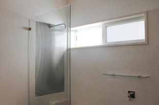 09. Bathroom Shower.jpg