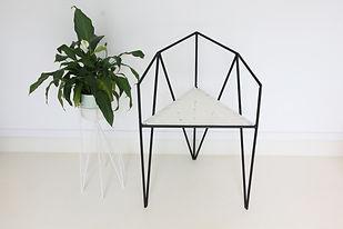2.Cadeira trinagular.JPG