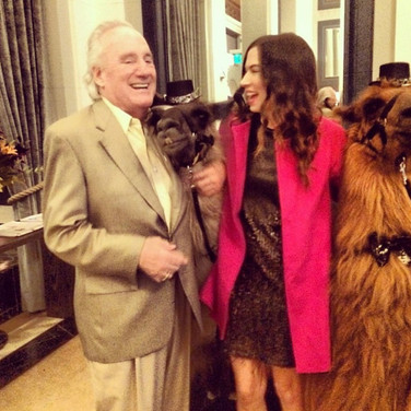 Fundraising Auctioneer, Johnna Wells joins DoveLewis for the annual Wet Nose Soireé!