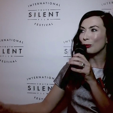 Johnna Wells hosts the red carpet for the International Youth Silent Film Festival!