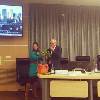 Анна Вититина представила эко репку и поделилась секретами выращивания зелени на закрытых Сити Ферма