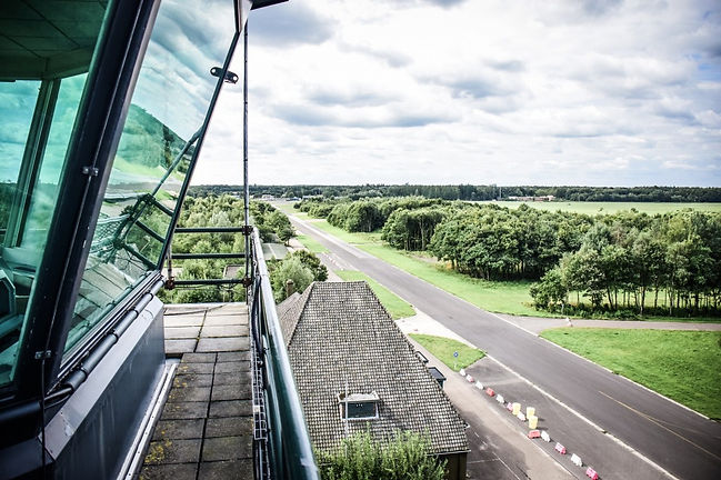 Vliegveld-Twenthe-air-control-tower-1024