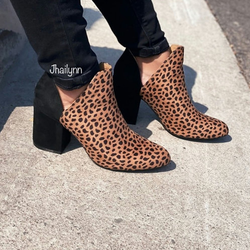 Two toned Side cut bootie