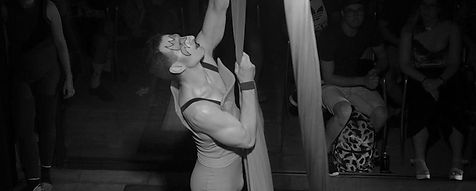 Taller teles a la sala gran del Centre Cívic Tomasa Cuevas