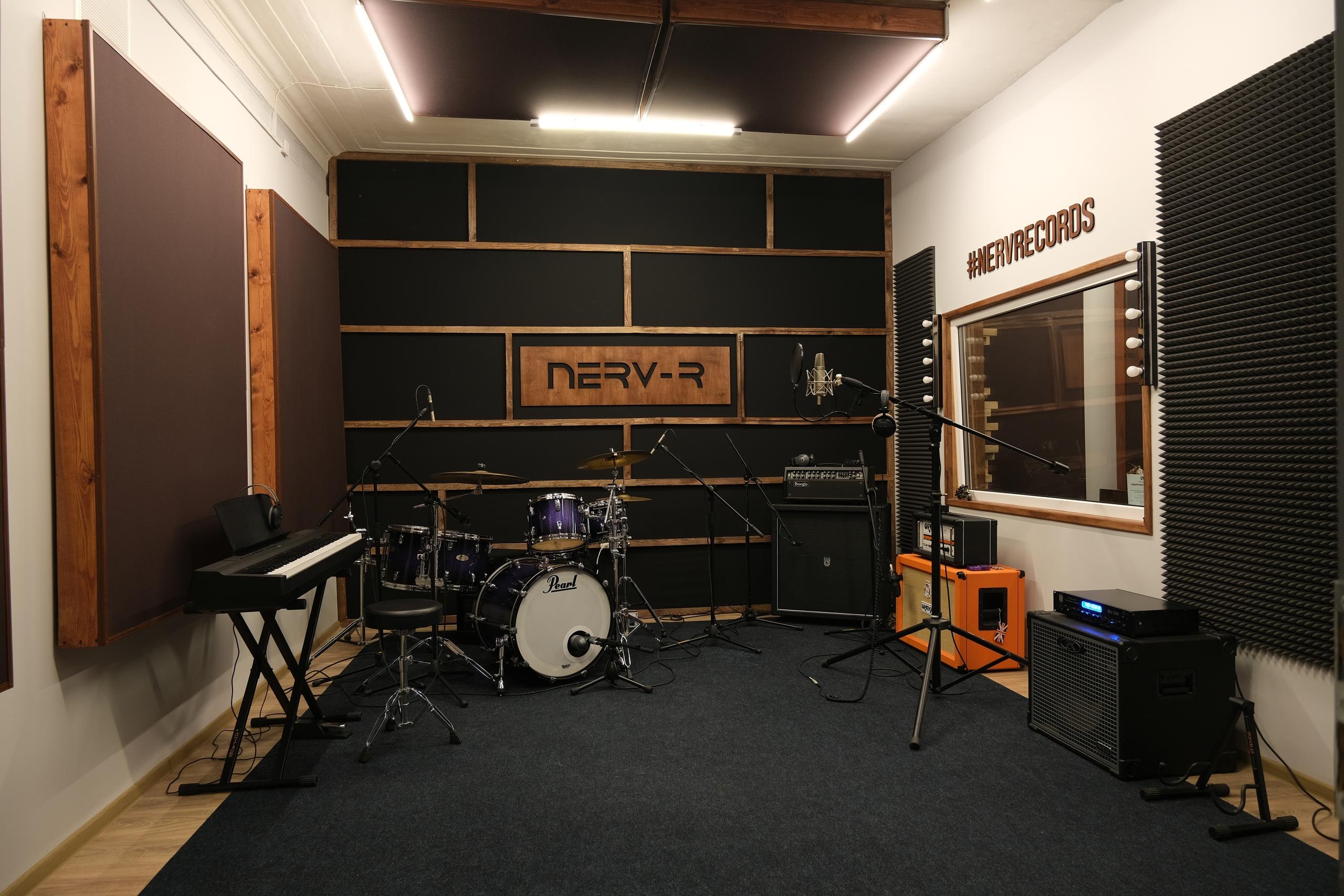 Тон-зал студии звукозаписи