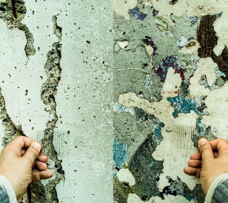 carte piano installée au recto et au verso d'un morceau du mur de Berlin. face Est/ face ouest.