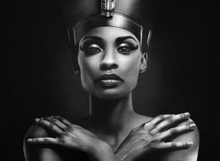 Nefertiti - A mais bela chegou. Arte no Período de Amarna e visão etnocêntrica da sua história.