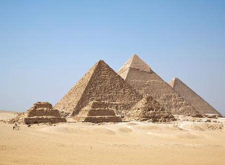 Brevíssima história das pirâmides de Gizé