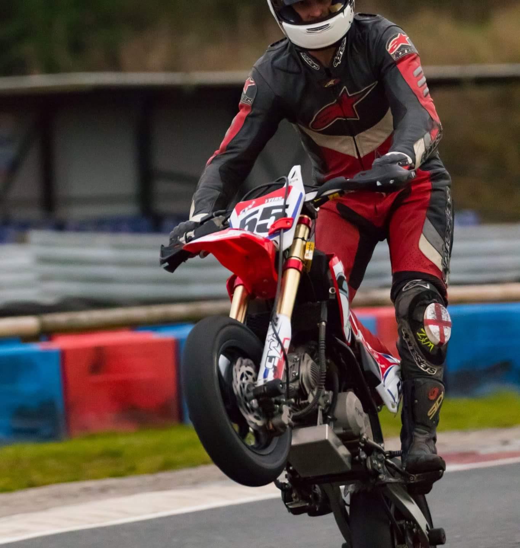 Ryan Tyres - Wheelie