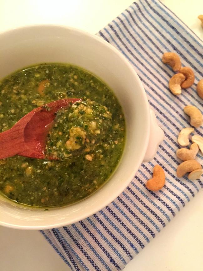 Pesto de cilantro y castañas de caju