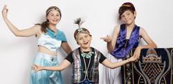 Regals Aladdin Jr - Jasmine Genie Aladdin - Genies Cast 48223 crop resize