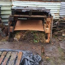 DIY Pallet Compost Bin Completed.jpg