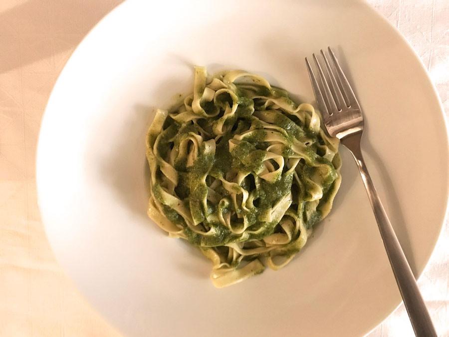 Talharim tradicional ao molho Pesto