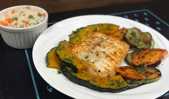 Linguado com legumes