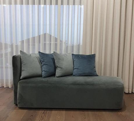 Living-room-asti-divan-chaise-detroit (5)_edited.jpg