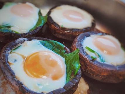 Portobellos con huevo estrellado
