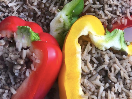 Pimientos rellenos de arroz con lentejas