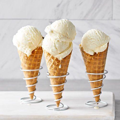 Street food dessert: Ice cream