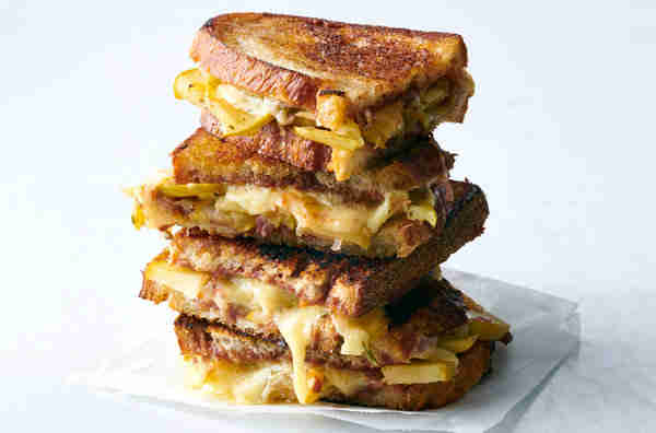 10 Most Profitable Food Truck Items - grilled cheese