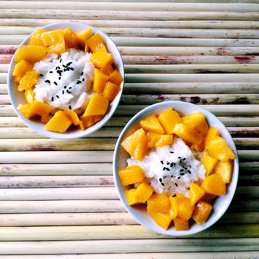 Mango sticky rice - the cost of street food in Thailand
