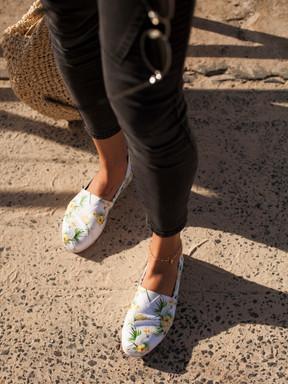 Cockatoo Print Canvas shoes at beach