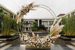 Pompas Grass and Floral Round Arch